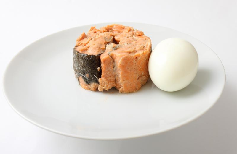 Canned Salmon with Bolied Egg